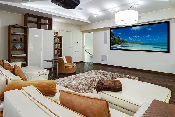 """Crystal Screens announces seamless 130"""" projection screens for the home theatre market"""